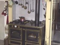 Fornuis met houtkachel in de woonkeuken