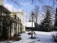 Huize De Kaa in de winter, tuinkant